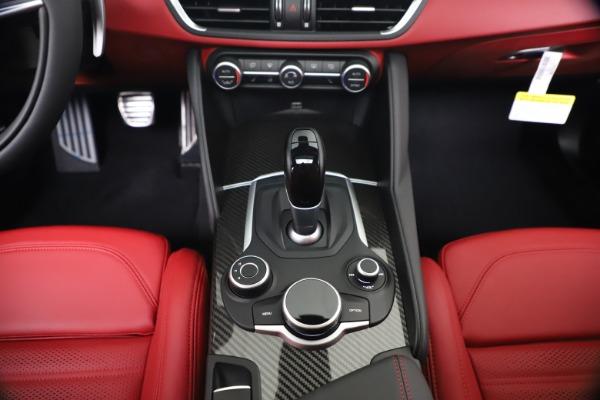 New 2019 Alfa Romeo Giulia Ti Sport Carbon Q4 for sale Sold at Pagani of Greenwich in Greenwich CT 06830 22