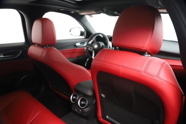 New 2019 Alfa Romeo Giulia Ti Sport Carbon Q4 for sale Sold at Pagani of Greenwich in Greenwich CT 06830 28