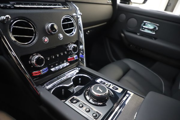 New 2020 Rolls-Royce Cullinan for sale Sold at Pagani of Greenwich in Greenwich CT 06830 17