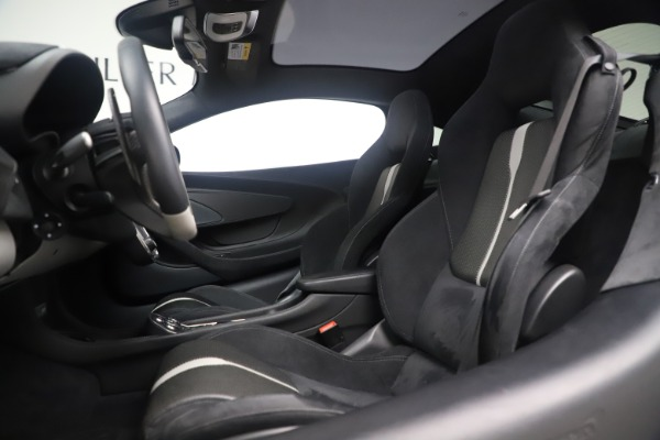 Used 2017 McLaren 570GT Coupe for sale $142,900 at Pagani of Greenwich in Greenwich CT 06830 16