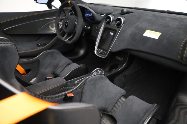 Used 2020 McLaren 600LT SPIDER Convertible for sale $249,900 at Pagani of Greenwich in Greenwich CT 06830 26
