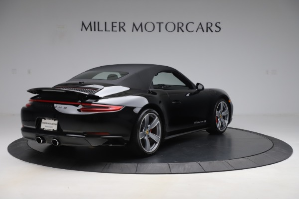 Used 2017 Porsche 911 Carrera 4S for sale Sold at Pagani of Greenwich in Greenwich CT 06830 16