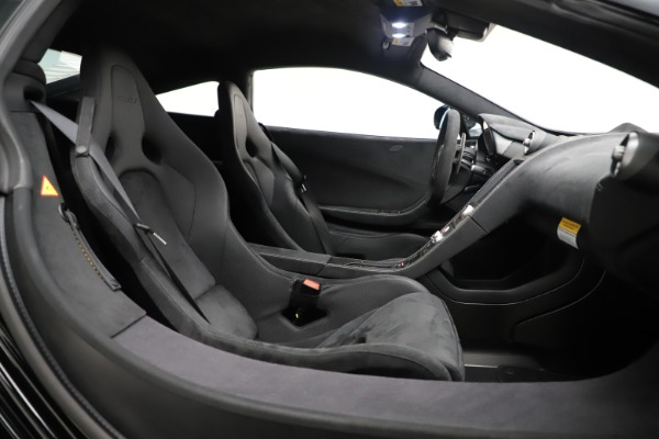 Used 2016 McLaren 675LT COUPE for sale $245,900 at Pagani of Greenwich in Greenwich CT 06830 17