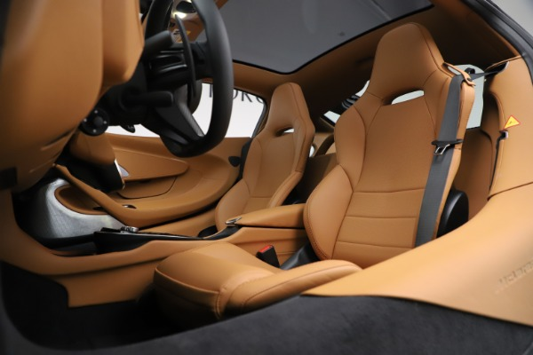 New 2020 McLaren GT Coupe for sale $245,975 at Pagani of Greenwich in Greenwich CT 06830 18