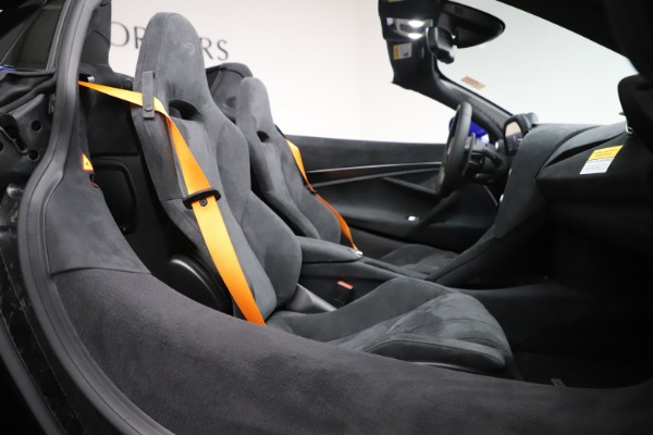 New 2020 McLaren 720S Spider Convertible for sale $364,090 at Pagani of Greenwich in Greenwich CT 06830 26