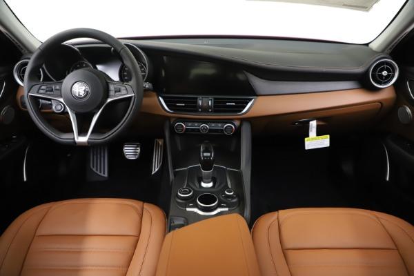 New 2019 Alfa Romeo Giulia Ti Lusso Q4 for sale $47,290 at Pagani of Greenwich in Greenwich CT 06830 16
