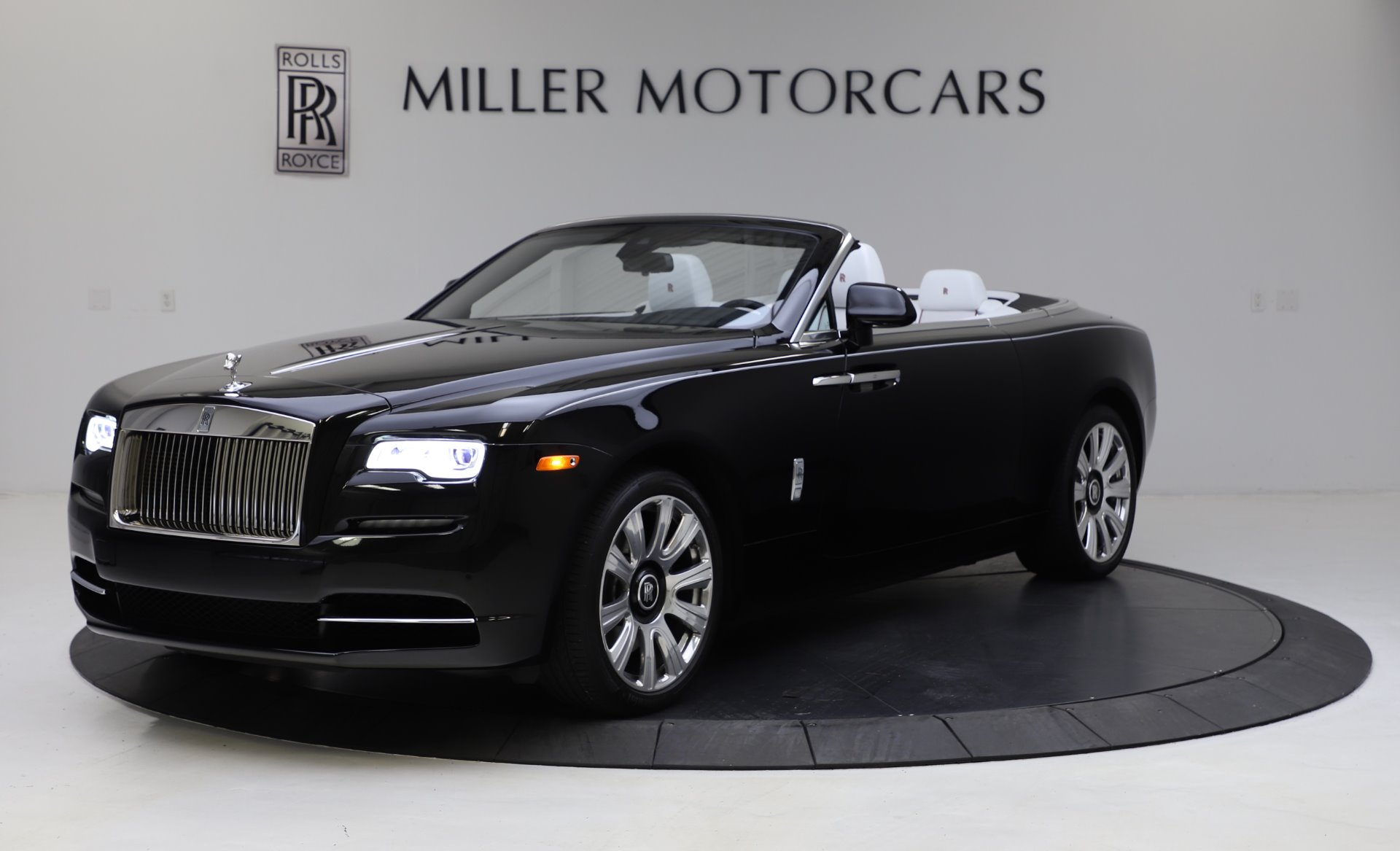 Used 2016 Rolls-Royce Dawn for sale $235,900 at Pagani of Greenwich in Greenwich CT 06830 1