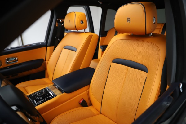 Used 2019 Rolls-Royce Cullinan for sale $319,900 at Pagani of Greenwich in Greenwich CT 06830 10
