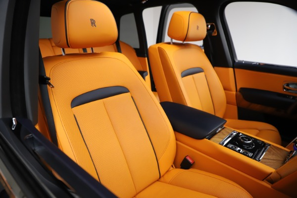 Used 2019 Rolls-Royce Cullinan for sale $319,900 at Pagani of Greenwich in Greenwich CT 06830 11