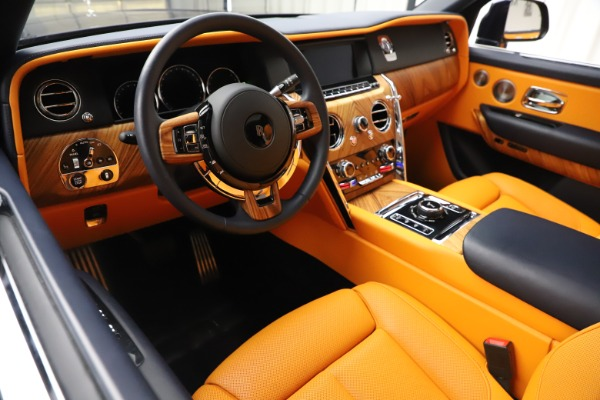 Used 2019 Rolls-Royce Cullinan for sale $319,900 at Pagani of Greenwich in Greenwich CT 06830 14