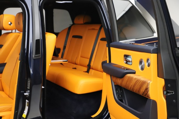 Used 2019 Rolls-Royce Cullinan for sale $319,900 at Pagani of Greenwich in Greenwich CT 06830 26