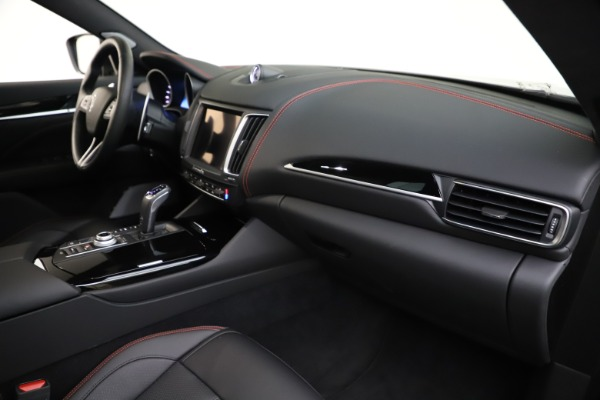 New 2019 Maserati Levante Q4 GranSport for sale Call for price at Pagani of Greenwich in Greenwich CT 06830 22