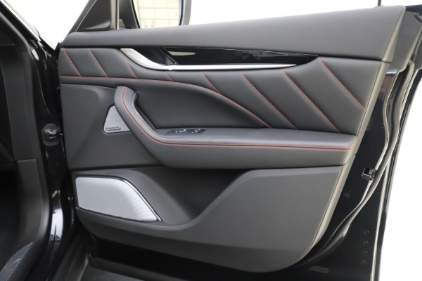 New 2019 Maserati Levante Q4 GranSport for sale Call for price at Pagani of Greenwich in Greenwich CT 06830 25