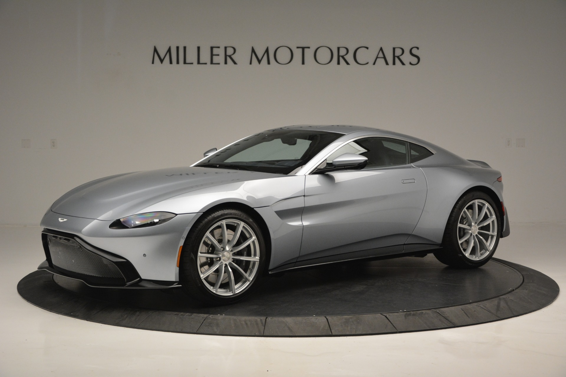 Used 2019 Aston Martin Vantage Coupe for sale $139,900 at Pagani of Greenwich in Greenwich CT 06830 1
