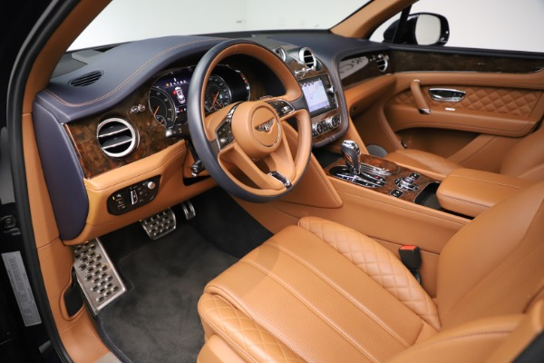 Used 2017 Bentley Bentayga W12 for sale $149,900 at Pagani of Greenwich in Greenwich CT 06830 18