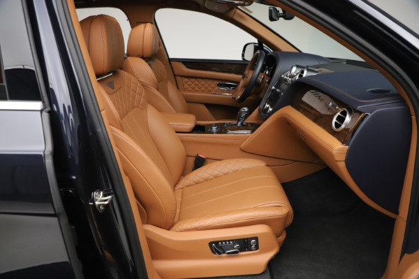 Used 2017 Bentley Bentayga W12 for sale $149,900 at Pagani of Greenwich in Greenwich CT 06830 27