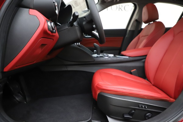 New 2020 Alfa Romeo Giulia Q4 for sale $45,740 at Pagani of Greenwich in Greenwich CT 06830 14