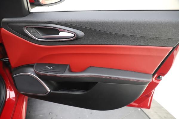 New 2020 Alfa Romeo Giulia Q4 for sale $45,740 at Pagani of Greenwich in Greenwich CT 06830 25
