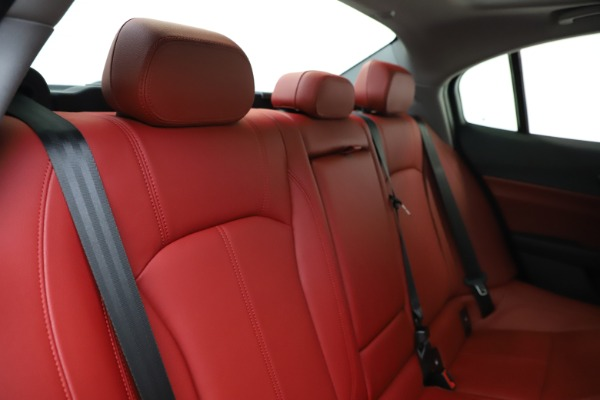New 2020 Alfa Romeo Giulia Q4 for sale $45,740 at Pagani of Greenwich in Greenwich CT 06830 26