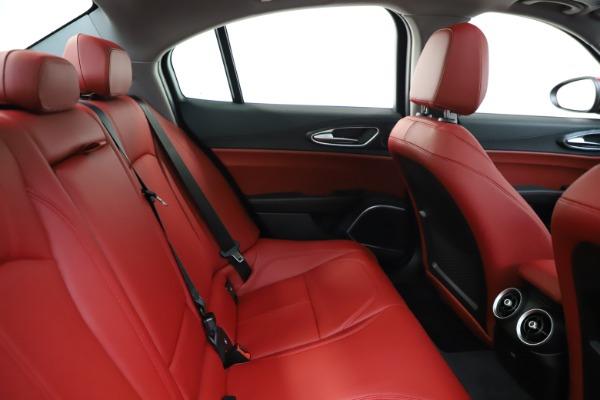 New 2020 Alfa Romeo Giulia Q4 for sale $45,740 at Pagani of Greenwich in Greenwich CT 06830 27