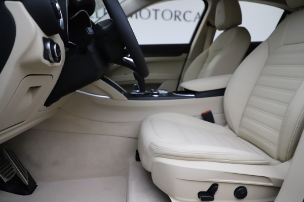 New 2020 Alfa Romeo Stelvio Ti Lusso Q4 for sale $55,790 at Pagani of Greenwich in Greenwich CT 06830 14