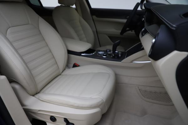 New 2020 Alfa Romeo Stelvio Ti Lusso Q4 for sale $55,790 at Pagani of Greenwich in Greenwich CT 06830 24
