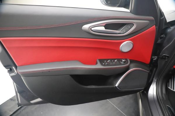 New 2020 Alfa Romeo Giulia Ti Sport Q4 for sale Sold at Pagani of Greenwich in Greenwich CT 06830 17