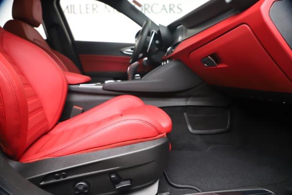 New 2020 Alfa Romeo Giulia Ti Sport Q4 for sale Sold at Pagani of Greenwich in Greenwich CT 06830 23