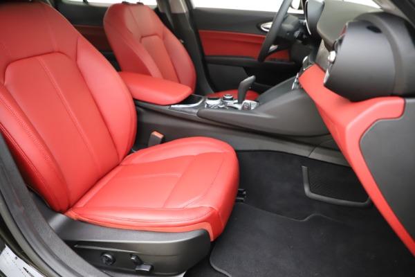 New 2020 Alfa Romeo Giulia Q4 for sale Sold at Pagani of Greenwich in Greenwich CT 06830 24