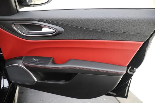 New 2020 Alfa Romeo Giulia Q4 for sale Sold at Pagani of Greenwich in Greenwich CT 06830 25