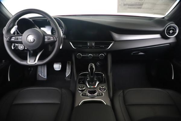 New 2020 Alfa Romeo Giulia Sport Q4 for sale $47,790 at Pagani of Greenwich in Greenwich CT 06830 16