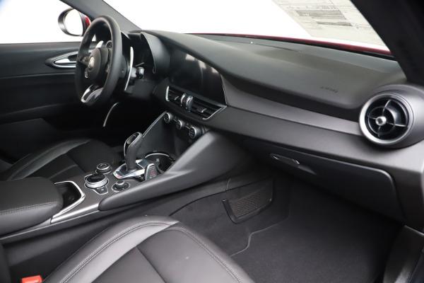 New 2020 Alfa Romeo Giulia Sport Q4 for sale $47,790 at Pagani of Greenwich in Greenwich CT 06830 22
