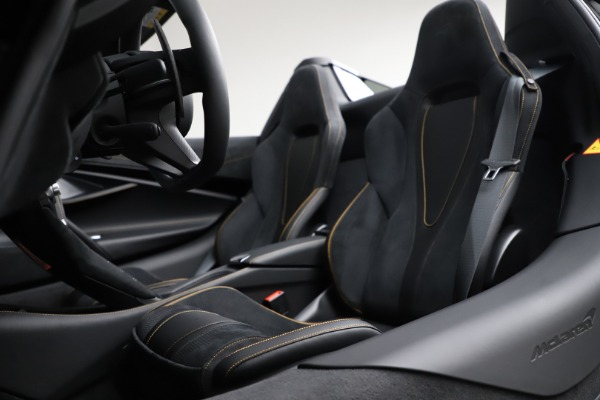 New 2020 McLaren 720S Spider Performance for sale $377,830 at Pagani of Greenwich in Greenwich CT 06830 27