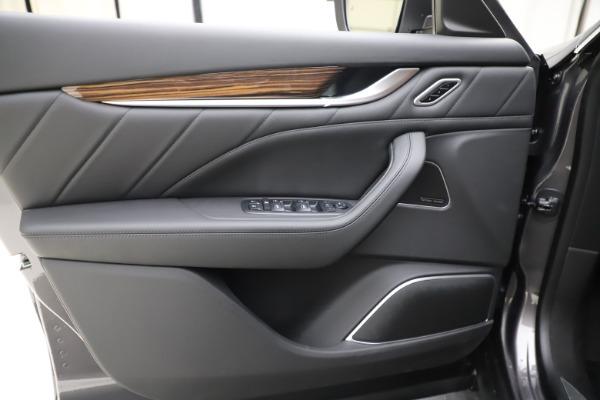 New 2020 Maserati Levante Q4 GranLusso for sale $84,985 at Pagani of Greenwich in Greenwich CT 06830 17