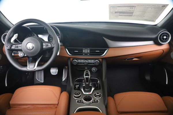 New 2020 Alfa Romeo Giulia Ti Sport Q4 for sale $52,840 at Pagani of Greenwich in Greenwich CT 06830 16