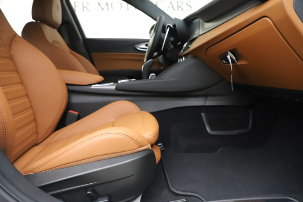 New 2020 Alfa Romeo Giulia Ti Sport Q4 for sale $53,190 at Pagani of Greenwich in Greenwich CT 06830 23