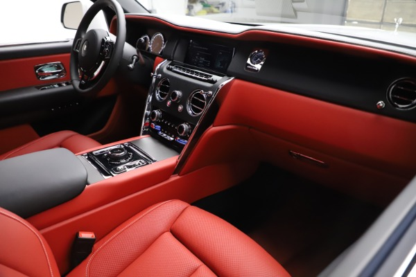 New 2020 Rolls-Royce Cullinan for sale $379,325 at Pagani of Greenwich in Greenwich CT 06830 14