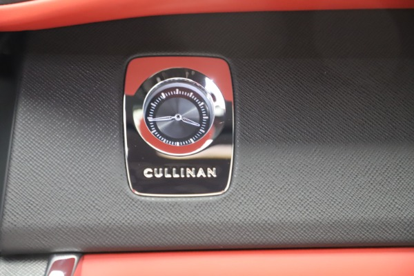 New 2020 Rolls-Royce Cullinan for sale $379,325 at Pagani of Greenwich in Greenwich CT 06830 28
