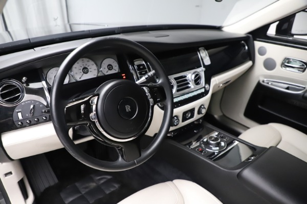 Used 2016 Rolls-Royce Ghost for sale $169,900 at Pagani of Greenwich in Greenwich CT 06830 16