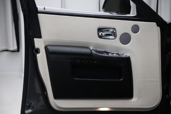 Used 2016 Rolls-Royce Ghost for sale $169,900 at Pagani of Greenwich in Greenwich CT 06830 24