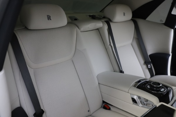 Used 2015 Rolls-Royce Ghost for sale Sold at Pagani of Greenwich in Greenwich CT 06830 18