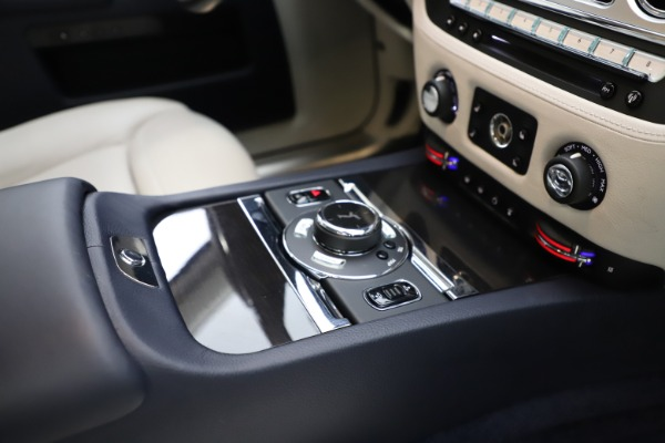 Used 2015 Rolls-Royce Ghost for sale Sold at Pagani of Greenwich in Greenwich CT 06830 22