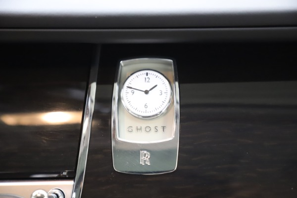 Used 2015 Rolls-Royce Ghost for sale Sold at Pagani of Greenwich in Greenwich CT 06830 24