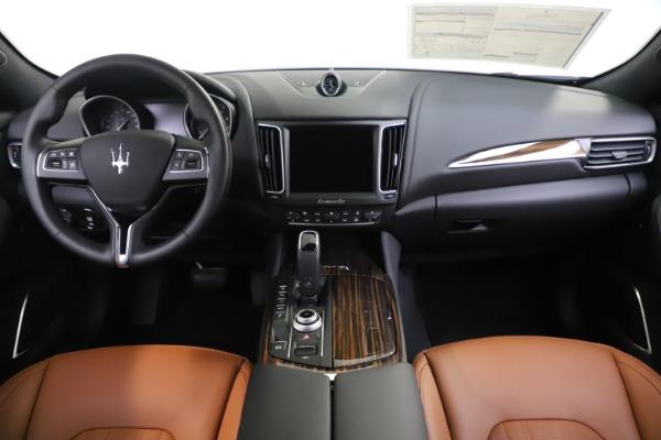 New 2020 Maserati Levante Q4 GranLusso for sale $86,935 at Pagani of Greenwich in Greenwich CT 06830 16