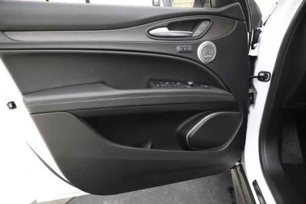 New 2019 Alfa Romeo Stelvio Ti Q4 for sale Sold at Pagani of Greenwich in Greenwich CT 06830 17