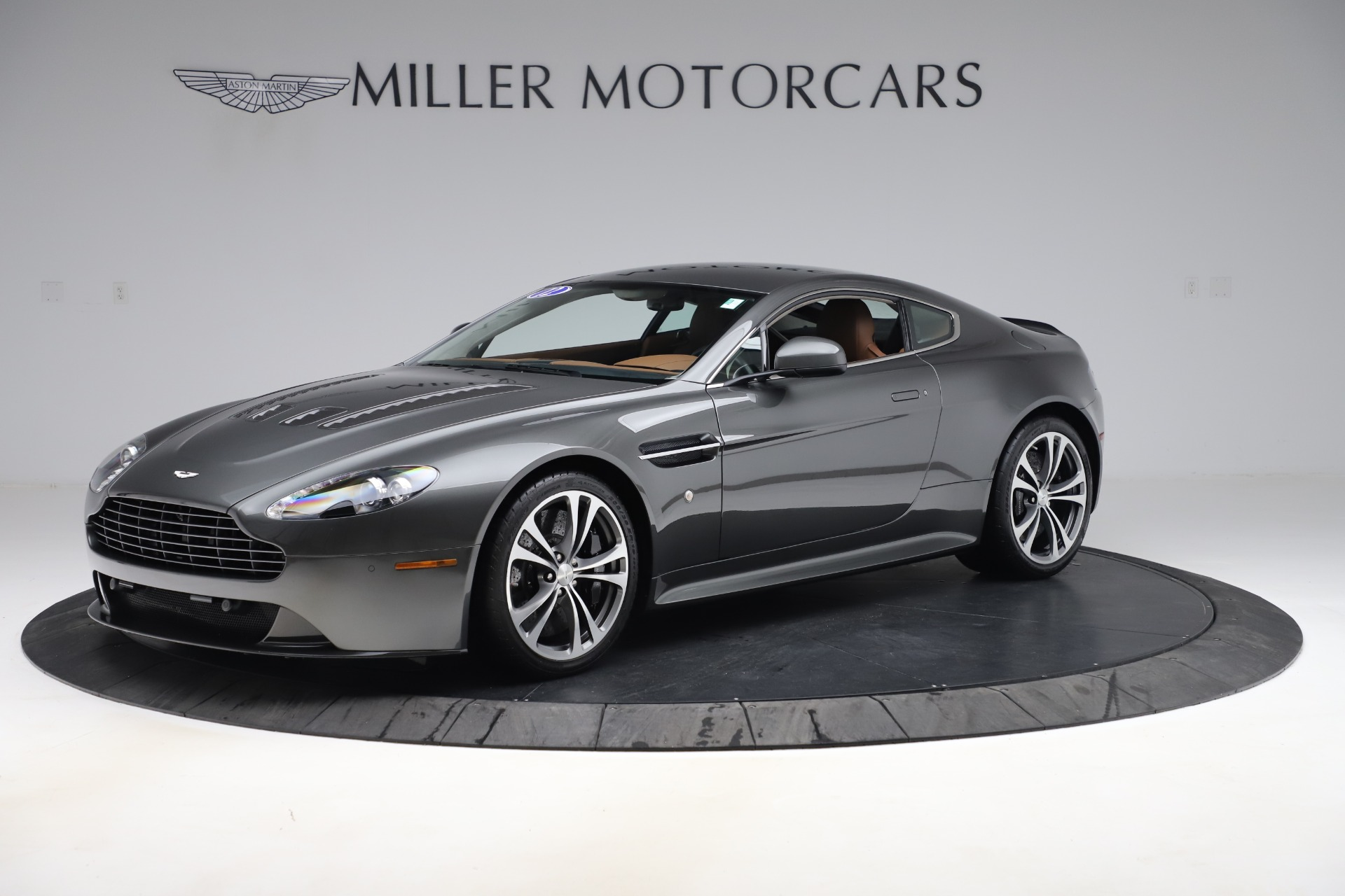 Used 2012 Aston Martin V12 Vantage Coupe for sale $115,900 at Pagani of Greenwich in Greenwich CT 06830 1