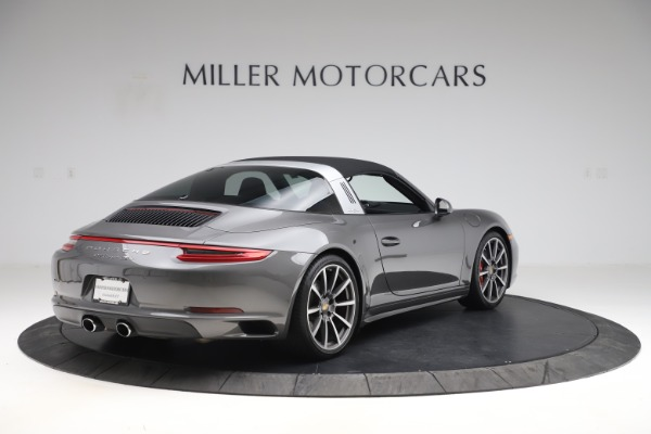 Used 2017 Porsche 911 Targa 4S for sale Sold at Pagani of Greenwich in Greenwich CT 06830 15