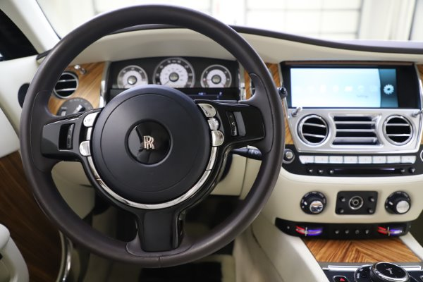 Used 2015 Rolls-Royce Wraith for sale $163,900 at Pagani of Greenwich in Greenwich CT 06830 16