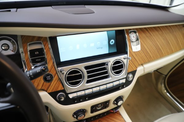 Used 2015 Rolls-Royce Wraith for sale $163,900 at Pagani of Greenwich in Greenwich CT 06830 19