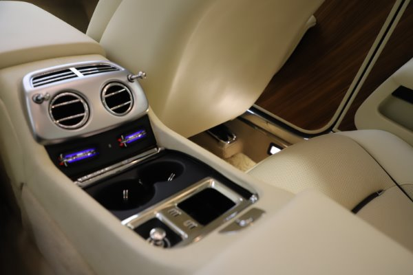 Used 2015 Rolls-Royce Wraith for sale $163,900 at Pagani of Greenwich in Greenwich CT 06830 22